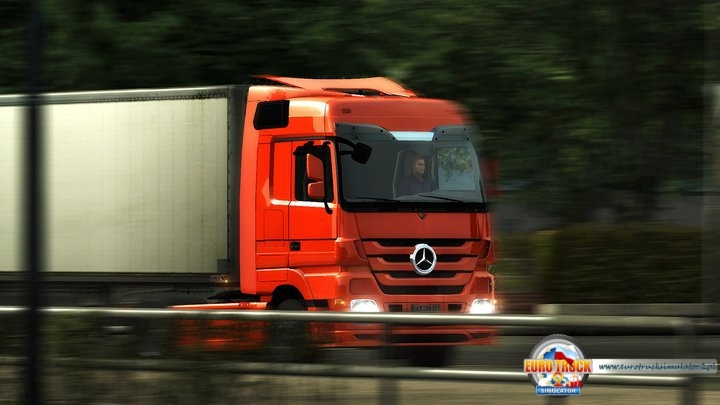 Mercedes Actros w ruchu